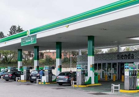 Más exigencias para la seguridad industrial de las gasolineras. Foto Gema López